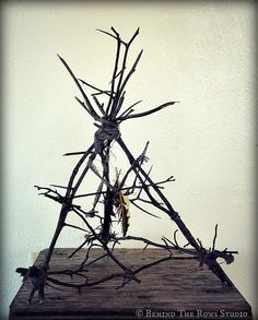Black Thorn Devil Trap from True Detective