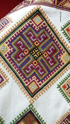 Palestinian Embroidery, Bargello, Crete, Cross Stitch Embroidery, Elsa, Bohemian Rug, Diy Crafts, Bulgaria, Rugs