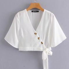 Fashion wild V-neck long-sleeved button-fastening tie waist shirt · FE CLOTHING · Online Store Powered by Storenvy Crop Top Outfits, Cute Casual Outfits, Casual Dresses, Blouse Styles, Blouse Designs, Girls Fashion Clothes, Fashion Dresses, Fashion Sewing, Diy Fashion