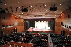 Dewan Sri Pinang. This community hall is a popular venue for local and international art exhibitions, orchestras, expositions and festivals.