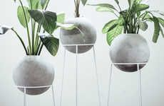 Concrete Planter - 'Piedra Luna' is a gorgeous concrete planter that combines natural greenery with industrial living, offering the modern homeowner a dec. Concrete Furniture, Concrete Cement, Concrete Design, Concrete Planters, Concrete Crafts, Concrete Projects, Fleur Design, Beton Diy, 3d Prints