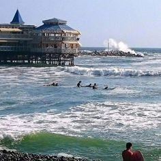 La de hoy en Instagram: Olas para todos! #surf #lima #beachlife #surfschool #mirafloresperu #Makaha #EndlessSummer #hightide #aymama - http://ift.tt/1K8gmug