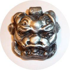 "Lot # : 5 - Large Foo Lion British Bakelite Realistic 1 3/8""  Metal shank"