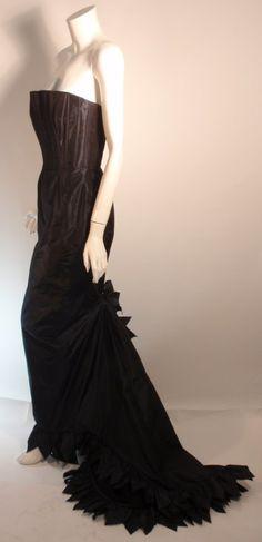 Oscar de la Renta Navy Blue Gown