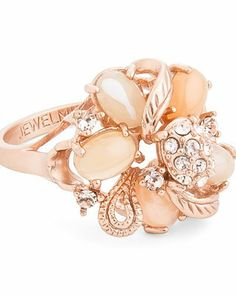 Beautiful gold flower ring