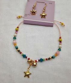 Conjunto Aretes y Pulsera: Estrellas en el cielo Materiales:Accesorios en oro goldfieldhilo color coral, mostacilla checa, murano, cristal...