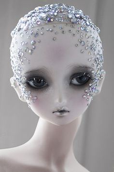 "Bjd viridianhouse: "" My entry for the Den of Angels Diamond Anniversary faceup contest! I had a blank Little Monica Sarubia head for a different project, so I decided to enter just for fun, but I think I..."