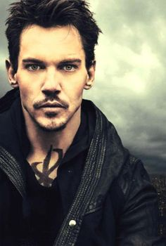 Jonathan Rhys Meyers as Valentine in Mortal Instruments