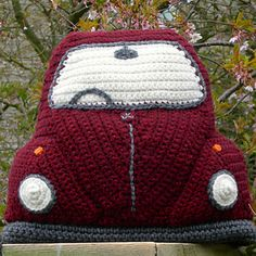 Ravelry: Crocheted Beetle Cushion Cover pattern by Tracy Harrison (SnuginaDub) Crochet Car, Crochet Cushions, Crochet Pillow, Crochet Home, Crochet Gifts, Cushion Cover Pattern, Super Chunky Yarn, Crochet Toys Patterns, Double Knitting