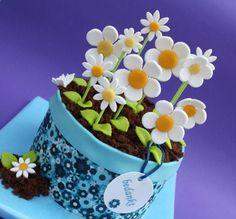 Flowers!!! - by leonietje @ CakesDecor.com - cake decorating website