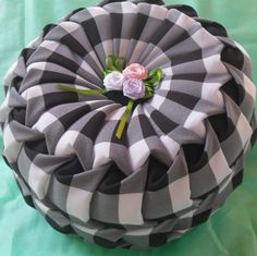 Almofada pneu xadrez