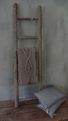 Ladder, leuk voor decoratie of mooie vervanger voor een haakje op kleding op te hangen