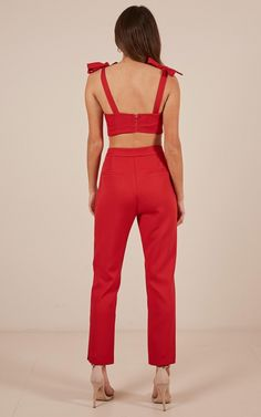 Red Jumpsuit, Jumpsuit Outfit, Pants Outfit, Two Piece Outfits Pants, Batanes, Black Mom Jeans, Indian Fashion Trends, Hoco Dresses, Teenager Outfits