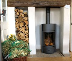 Stuv 30 wood burning stove room with log burner Photo gallery of our New Forest wood burning stoves Log Burner Fireplace, Wood Burner, Brick Fireplace, Fireplace Ideas, Wood Stove Installation, Wood Burning Logs, Stove Board, Stove Parts, Stove Backsplash
