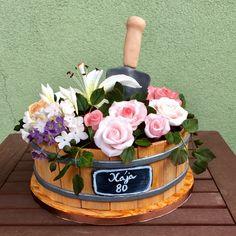 Flower pot cake Flower Pot Cake, Flower Cakes, Flower Pots, Bolo Floral, Cakes, Flowers, Flower Vases, Plant Pots, Planters