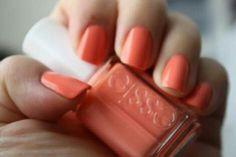 Coral colour nails