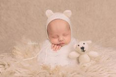 Hand-knit Ivory Teddy Bear Bonnet and Stuffie Prop, Newborn size Also available in any solid color, message me for options. Includes safety eyes, not suitable for children under 3 years old without adult supervision.  Hand made by me in a smoke-free, pet-free home.  Made to Order.  See Shipping & Policies tab for current production time.