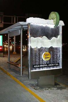 Ejemplos creativos parabuses http://www.merca20.com/5-ejemplos-de-publicidad-creativa-en-parabuses/