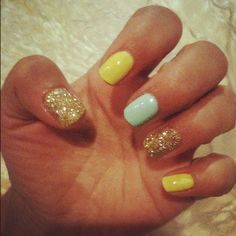 Neon yellow and Gold Glitter Nails