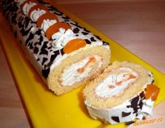 Tvarohová roláda s mandarinkami Japanese Roll Cake, Food Hacks, Sushi, Sweet Tooth, Muffin, Food And Drink, Treats, Cheese, Breakfast