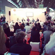 "epubli Autor Karl Osberg diskutiert über ""Wann ist #Selfpublishing sinnvoll?"" #fbm14"