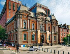 The Renwick Gallery, part of the Smithsonian American Art Museum—is in a French Second-Empire-style building built just before the Civil War. >> IOne block east of the White House and one block north of the Corcoran Gallery.