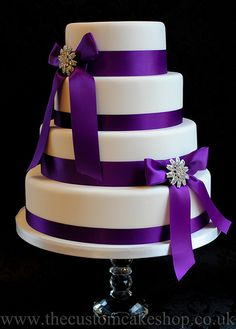 Wedding Cake coordinate ribbon color to your wedding color