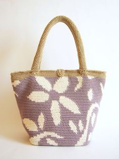 Crochet pattern for flower tote. Practice by chabepatterns on Etsy
