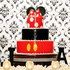 Happy Wedding Cake Wednesday!  #MickeyMouse #Disney #Minnie #cake