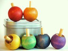 Wooden Waldorf Kids Toy-Wood Spinning Top TWIRLY TOP von applenamos