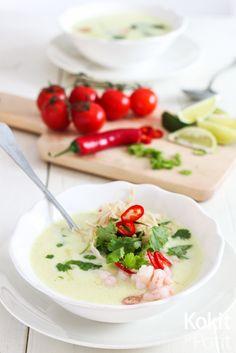 Thaimaalainen kookoskeitto - nopea ja helppo keitto sopii arkeen ja juhlaan Soup And Salad, Cheeseburger Chowder, Tofu, Soup Recipes, Salads, Pasta, Dinner, Cooking, Ethnic Recipes