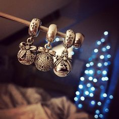 Christmas - holiday & seasonal charms