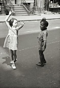 Photographer: Helen Levitt