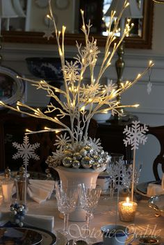 So many pretty centerpiece ideas here ... christmas and otherwise. Christmas Table Settings, Christmas Tablescapes, Christmas Centerpieces, Christmas Tree Decorations, Christmas Wreaths, Christmas Topiary, Christmas Entryway, Holiday Tablescape, Winter Wreaths