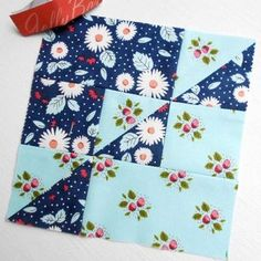 Quilt Block 205 - Summer's End. The summer season is closing and the autumn season is beginning in this Tula Pink block no. 52.