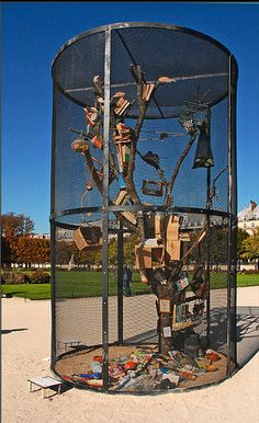 FIAC 2010 / Library for the Birds of the Tuileries, Mark Dion