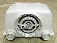 "Vintage Crosley ""Dynamic"" Painted Bakelite Table Radio, Model 11-100U, Made in the USA, Dubbed the ""Bullseye"", Circa 1951 | Flickr - Photo Sharing!"