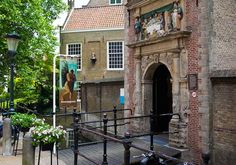 Lazarus entree bij Museum Gouda in Gouda - Fijnuit.nl