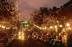 It's Christmas in Old Town Alexandria, VA!