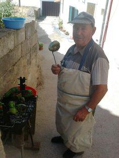 Tio João, roasting peppers - Vilarelhos