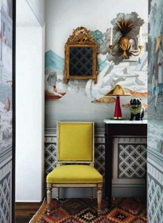 The founder of de Gournay's daughter's small London flat mixes antiques with brightly coloured chinoiserie patterned wallpaper & contemporary furniture. Interior design and décor ideas from real homes from House & Garden. Furniture, Interior, Foyer Decorating, Decor Interior Design, Home Decor, Yellow Accent Chairs, House Interior, Contemporary Furniture, Interior Design