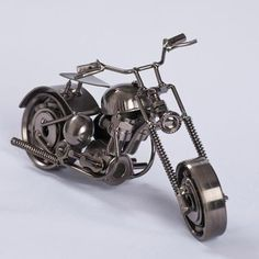 Miniatura Moto Custom Metal Art Projects, Welding Projects, Moto Custom, Smart Furniture, Metal Artwork, Sculpture, Metal Working, Diy And Crafts, Cool Designs