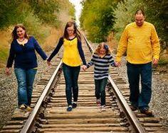 Resultados de la Búsqueda de imágenes de Google de http://www.familypictureideashq.com/wp-content/gallery/family-pictures/4.jpg