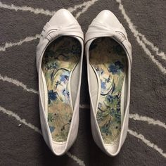 ALDO White Flats Worn a couple of times but they are in good condition! ALDO Shoes Flats & Loafers