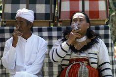 Smoking break in Bali