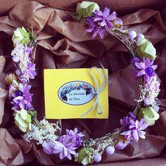 Foto de My Wedding Lab #diadema #corona #tocado #evento #boda #comunion #novia #invitada #flores #moda #diademadeflores #coronadeflores #complementos #peinado #lamoradadenoa