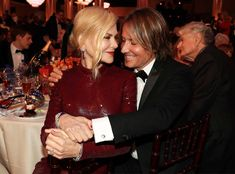 Nicole Kidman & Keith Urban from Golden Globes 2019 Candid Moments The adorable married pair looked madly in love at the awards. Hollywood Couples, Celebrity Couples, Celebrity News, Country Singers, Country Music, Nicole Kidman Family, Julia Michaels, Famous Couples, Miranda Lambert