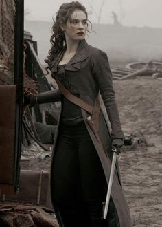 Lily James as Elizabeth Bennett Lily James, Elizabeth Bennett, Eliza Bennett, Elizabeth Swann, Pride And Prejudice And Zombies, Costume Design, Character Inspiration, Writing Inspiration, Drake