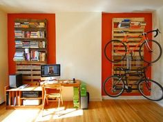 EDRA | DIY Shipping Pallet Bookshelf and Bike Rack Looks Quick and Easy