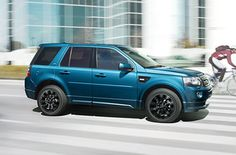 Land Rover Freelander 2 in Mauritius Blue with a Dynamic Exterior Pack